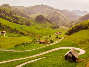 De meest mooie en schilderachtige wegen in Zwitserland